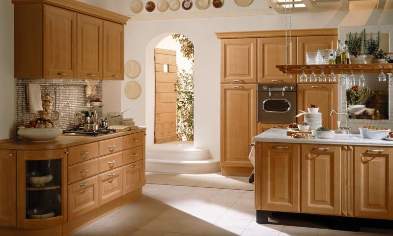 Traditional kitchen cabinets provenzale european cabinets for Traditional european kitchen