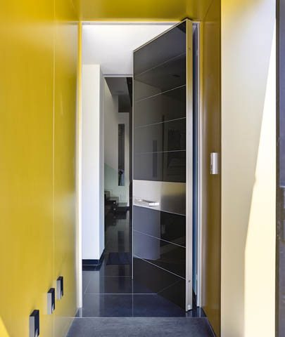 Oikos front doors, exterior doors, safety doors, entry doors, exterior door installer, high-quality entry doors, custom front doors, custom entry doors