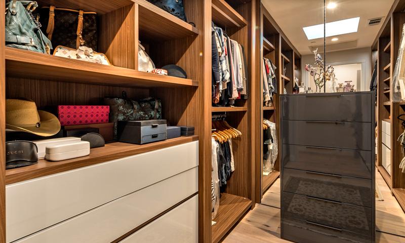 Modern home design custom closet Pianca