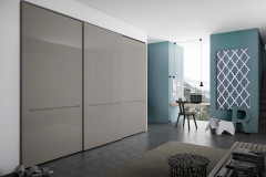 Reach-In Closets by Pianca