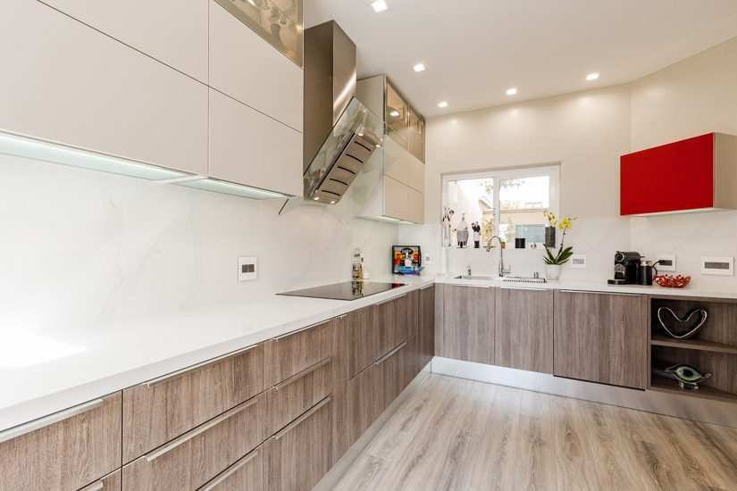 Kitchen designed with cabinets from Aran Cucine, made in Italy