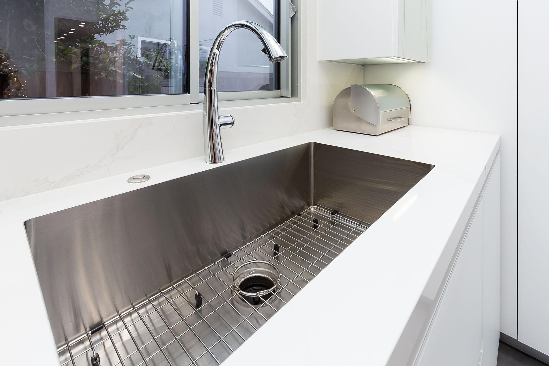 TopZero rimless kitchen sink